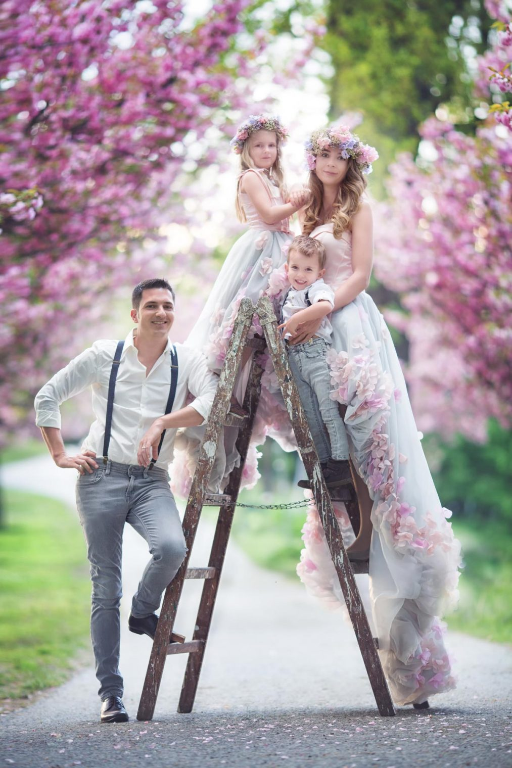 cherry blossom photography of a family in Austria